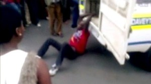 Daveyton taxi driber arrested for parking offence and dragged behind a police van to the police station, where he died