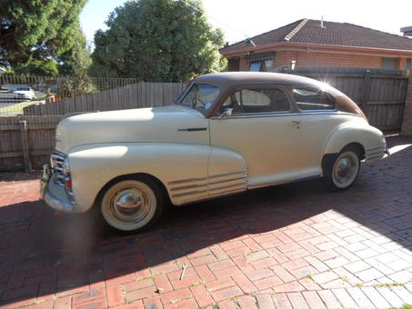 1948 Cheverolet Fleetline, two-tone beige