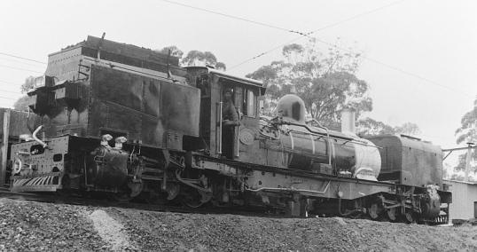 Narrow-gauge Garratt locomotive at Umlaas Road Station, 8 December 1908