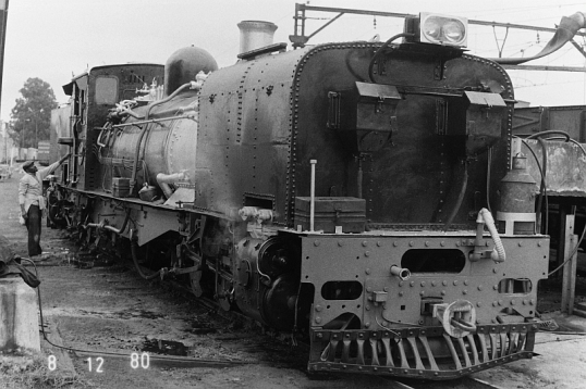 Narrow-gauge Garratt locomotive at Umlaas Road, 8 December 1980