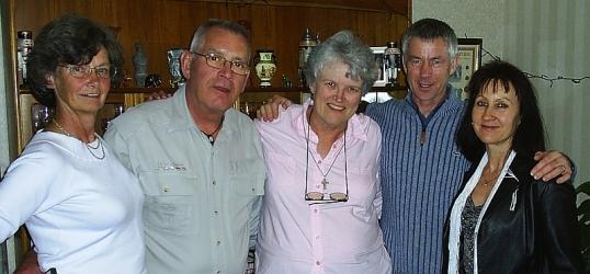 Pearson/Ellwood cousins in Edinburgh, 11 May 2005