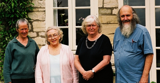 Hayes cousins in bath, 2 May 2005