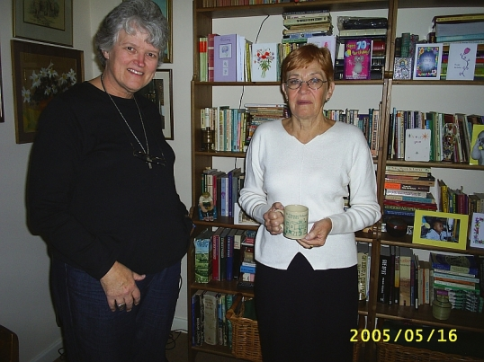 Val Hayes and Lauremn Morrow in Beckenham, Kent. 16 May 2005