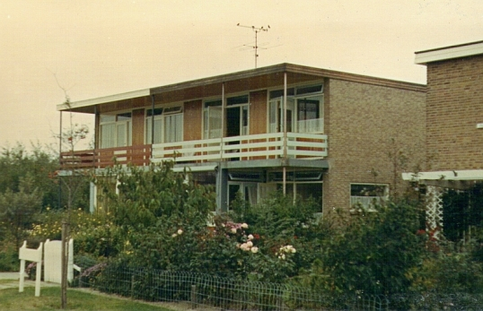 Dieudonne, the home of Wieta Monquil and Ank Schoen in Bergen, North Holland